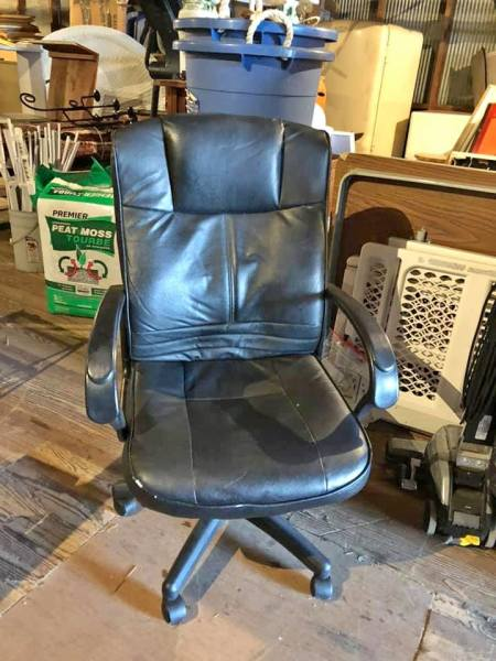 Black adjustable desk chair $25.00